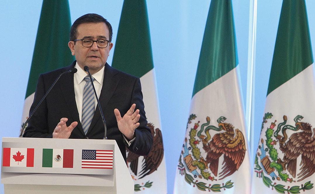 Ante guerra comercial, Guajardo recomienda buscar mercados alternativos