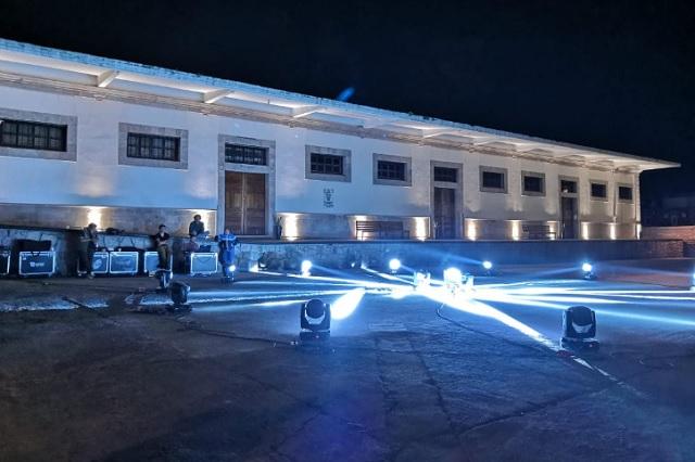 Con luces blancas, Teziutlán apoya a personal ante Covid-19