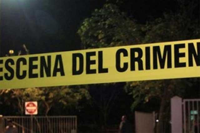 Atacantes en motoneta matan a tiros a una joven y lesionan a un muchacho