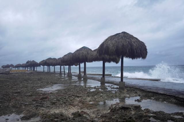 Huracán Ida golpea a Cuba con destrozos y cortes de luz