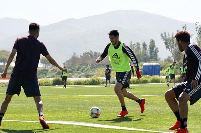 México comienza preparación para duelo ante Chile