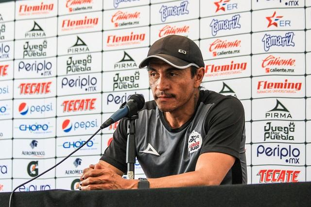 Francisco Palencia con pie y medio fuera de Lobos BUAP