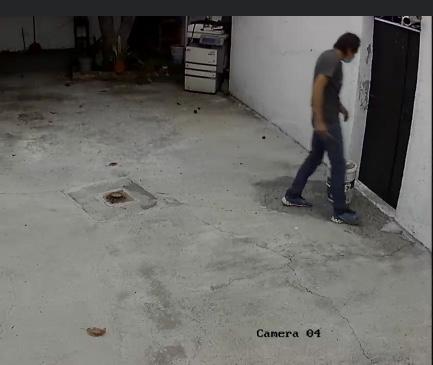 Ladrón es identificado por cámaras pero sigue en activo, en Atlixco