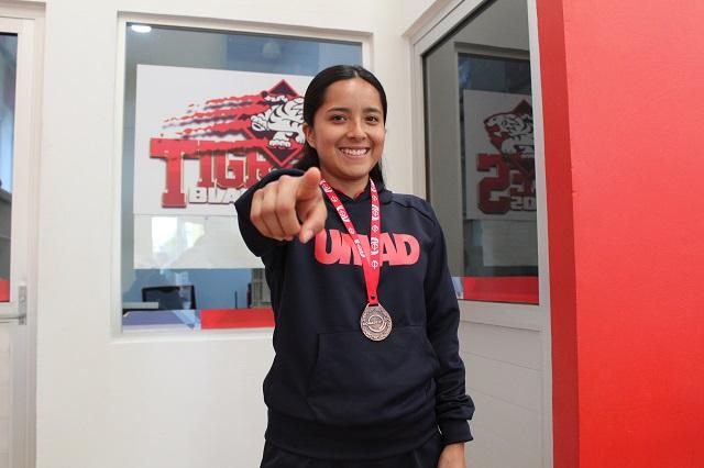 Atleta UMAD representará a México en prueba atlética