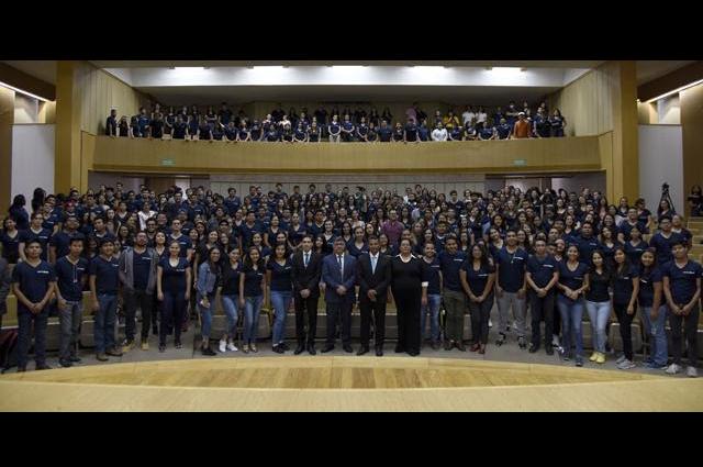 BUAP recibe a estudiantes de intercambio para verano científico