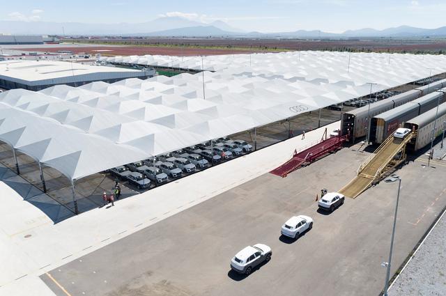 Protegen Audi Q5 con 70 mil metros de malla antigranizo
