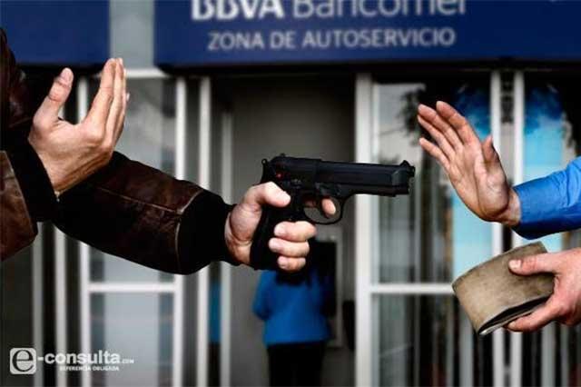 Hieren a cliente de Bancomer para robarle 50 mil pesos en Xilotzingo
