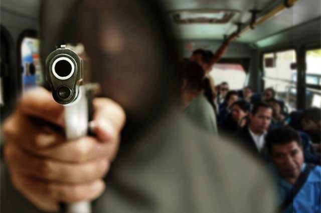FGE obtiene prisión contra acusado de robo a transporte público