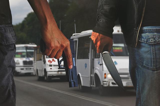 Ejecutan casi 60 asaltos en 2017 al transporte público de Puebla