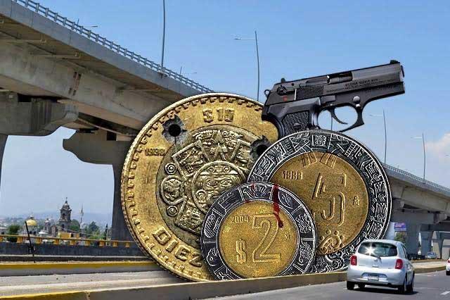 Suben autopistas en Puebla y asaltan casetas con machetes
