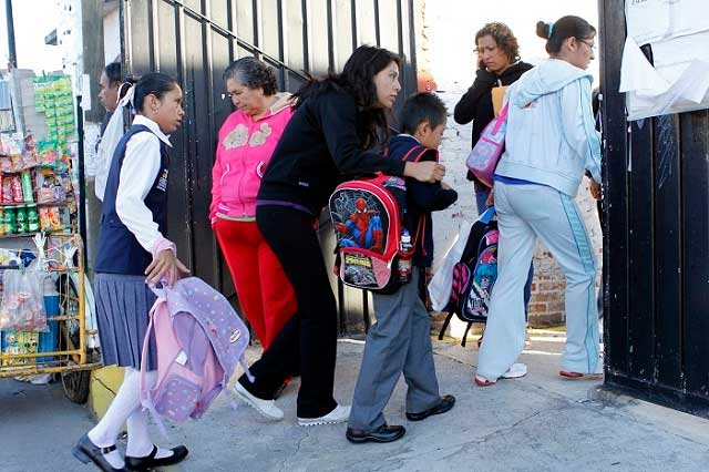 Cuotas escolares no son obligatorias, recalca la SEP