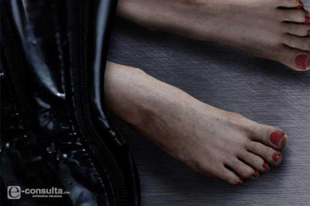 De auto en movimiento tiran cadáver de mujer, en Santiago Miahuatlán