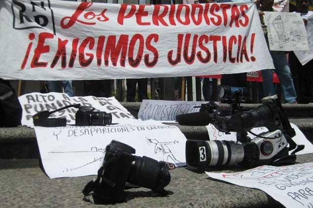 Periodista poblano denuncia ante PGR persecución y amenazas