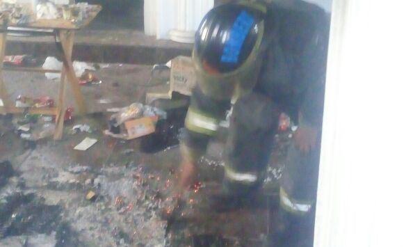 Bomberos sofocaron dos incendios en la ciudad de Puebla