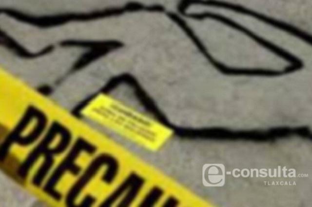 Para robarle 100 mil pesos, mata de un balazo a su parienta en Puebla