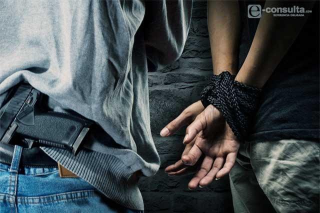 Caen 3 poblanos que secuestraban migrantes en Baja California
