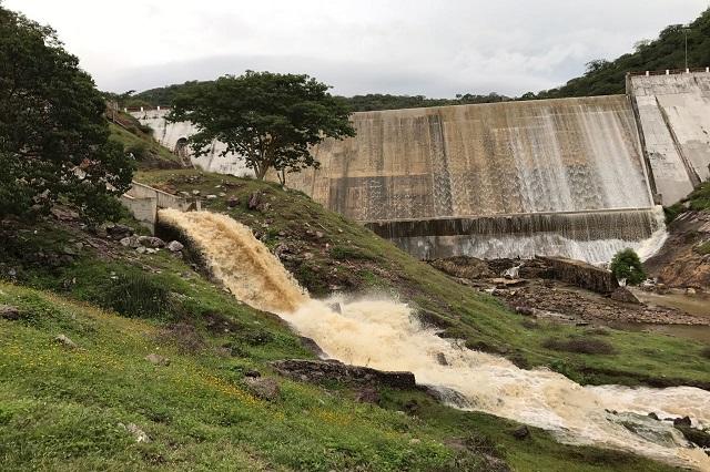 Desfogan presa La Soledad; todo está bajo control, dice Conagua