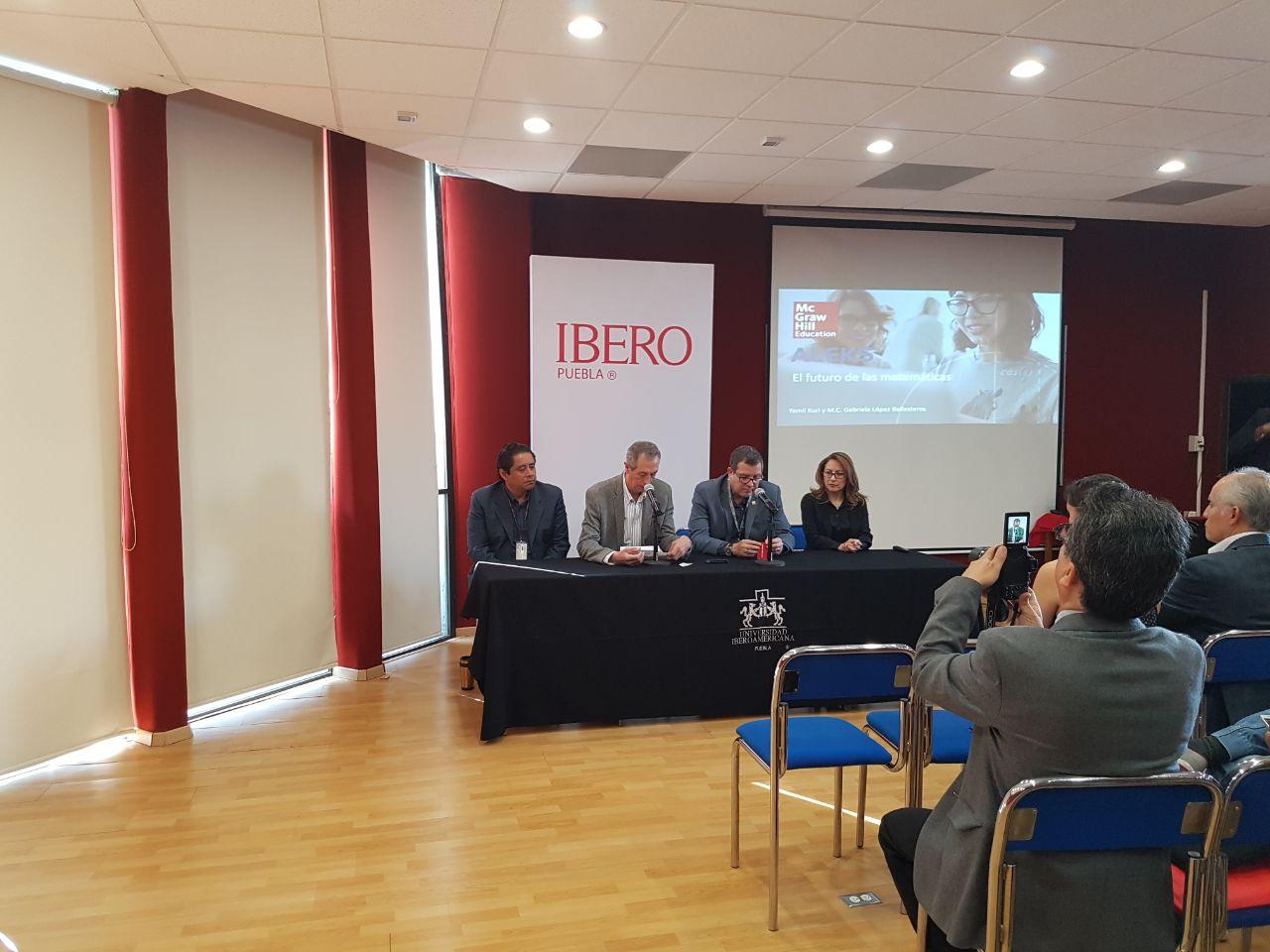 Promueve IBERO Puebla prácticas docentes en ciencias básicas
