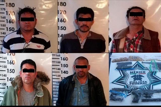 Llevan al penal de Tepexi a presuntos homicidas de Erika y Juany