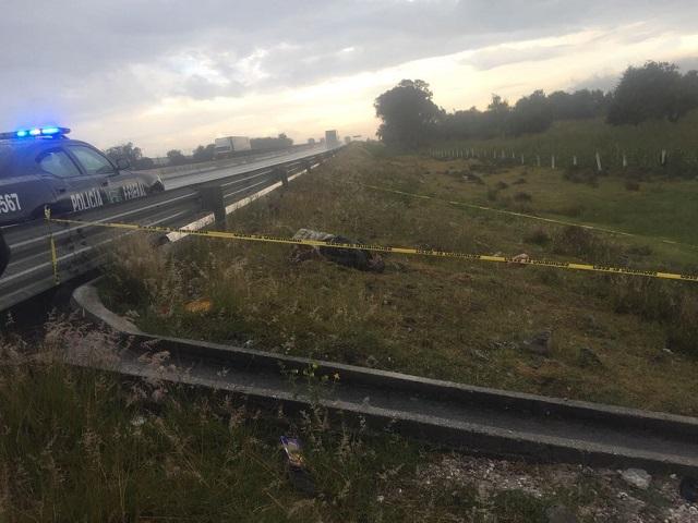 Desollado y encobijado hallan cadáver junto a la Puebla-Orizaba