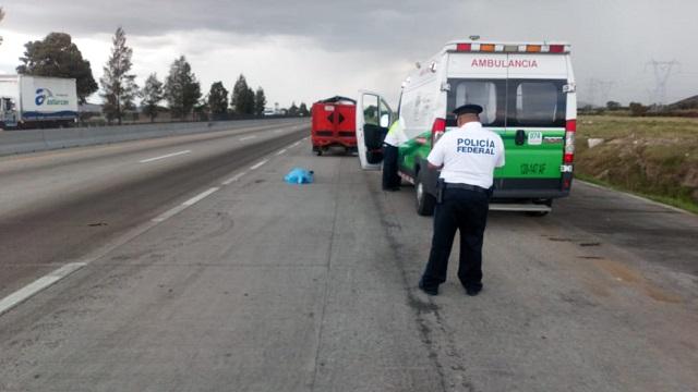 Muere menor tras choque con camioneta de Estafeta en Puebla