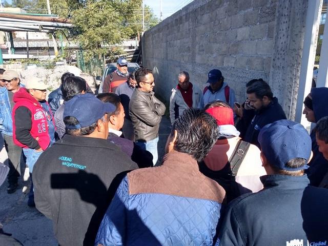 Trabajadores del ayuntamiento poblano se quejan de presiones del sindicato