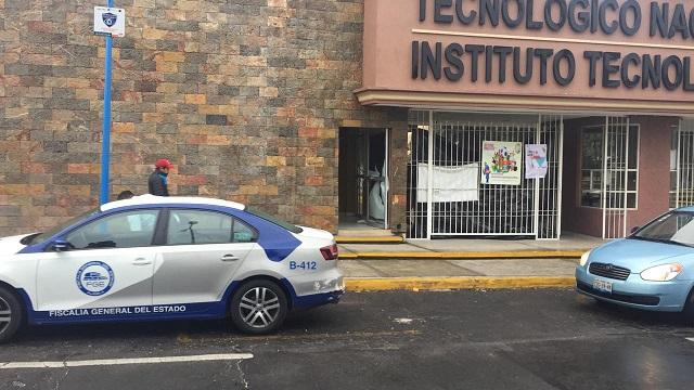 Someten a guardias y roban cajero del Tecnológico de Puebla