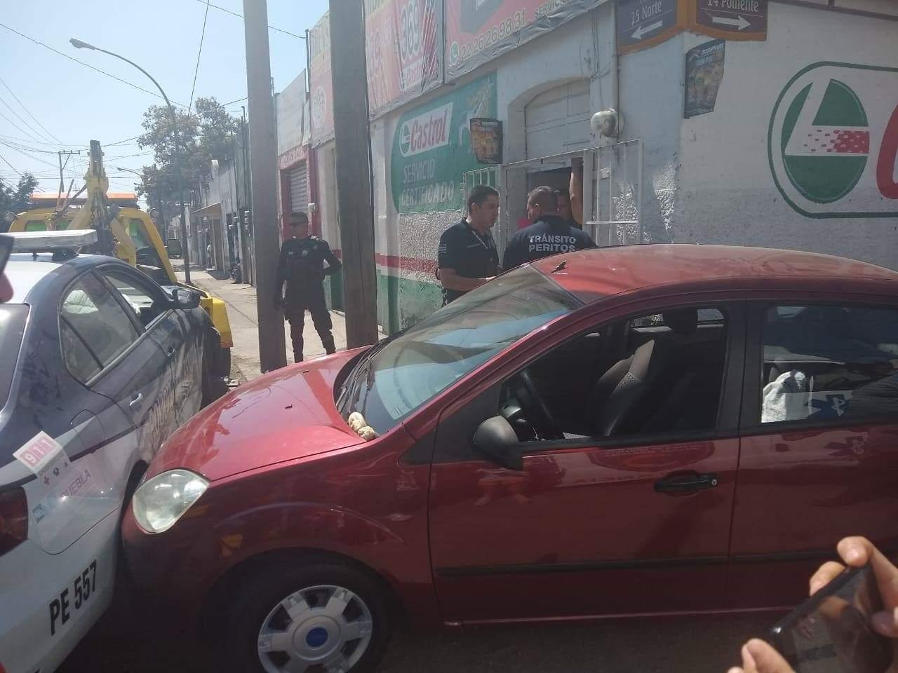 Balean a comerciante en intento de asalto en el Centro de Puebla