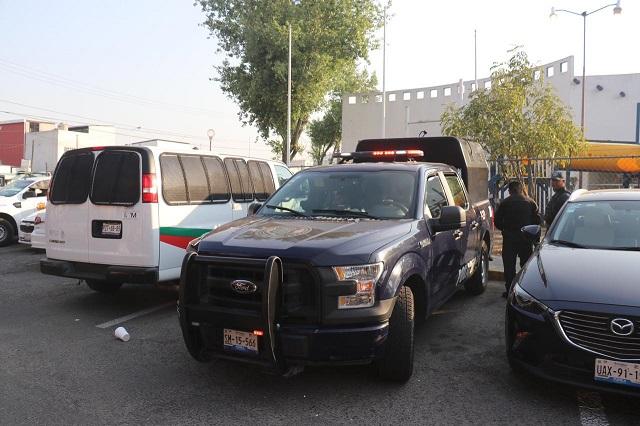 Detienen a 15 polleros en Puebla y rescatan a 379 migrantes