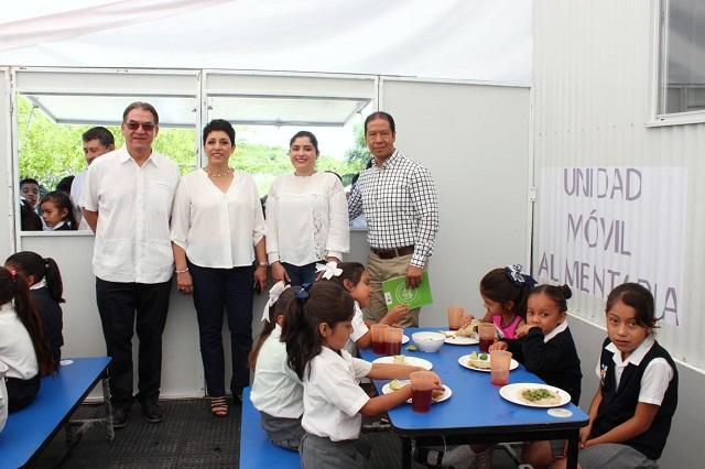 Comedores de bajo costo llegan a 70 municipios pobres de Puebla