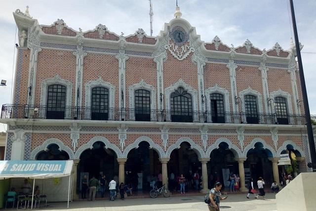 Cesa alcalde a 47 directores del ayuntamiento de Tehuacán