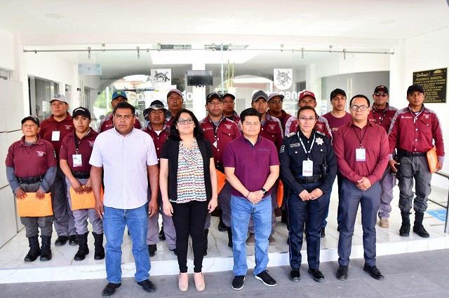 Entrega edil de Coronango equipo a Guardias del Pueblo