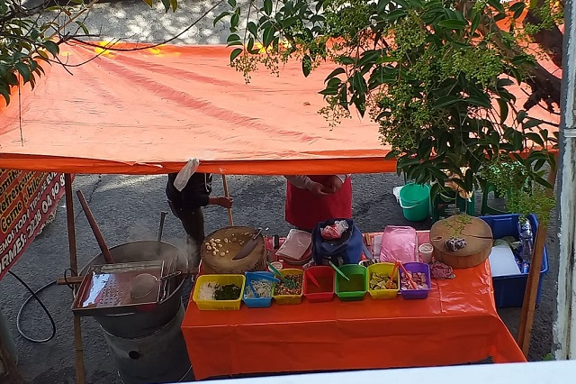 Ayuntamiento de Puebla consiente puesto de carnitas insalubre en Chulavista