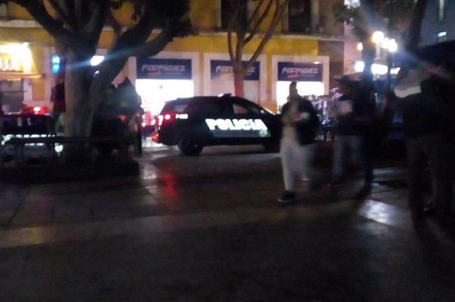 Riña y balacera entre ambulantes deja dos heridos en la 10 Poniente