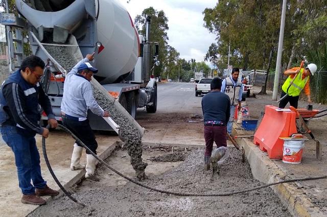 Agua de Puebla repara fugas bajo concreto hidráulico
