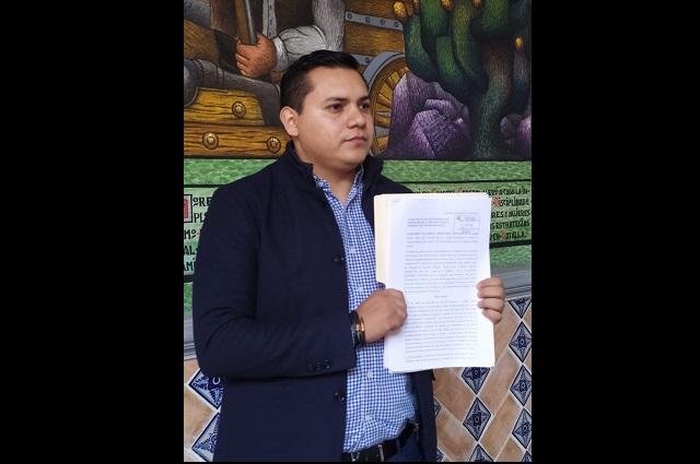 Denuncia regidor de Tehuacán amenazas de la tesorera municipal