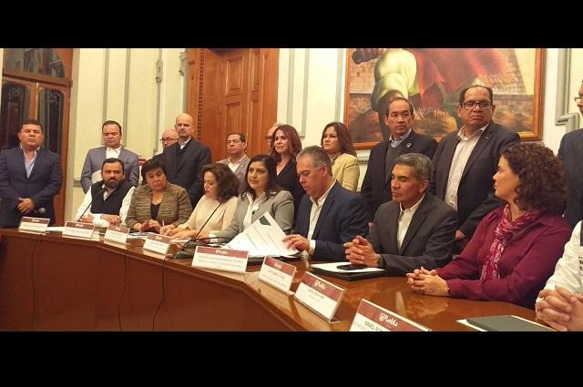 Atacar a ambulantes y delitos, acuerdan Rivera y empresarios