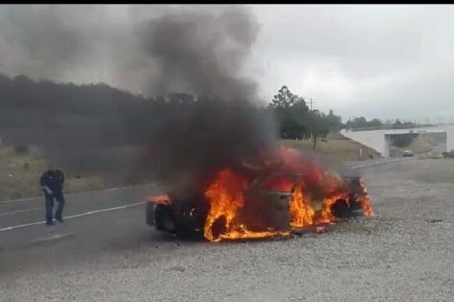 Queman vehículo de la GN tras asesinato de vecino en Esperanza