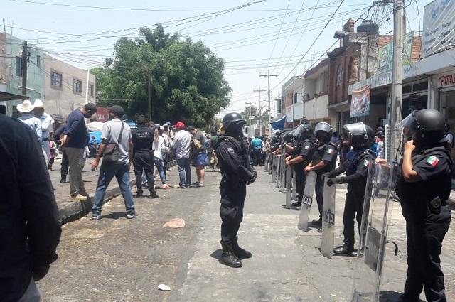 Desencuentro entre tiangüistas y autoridad en Atlixco