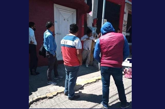 Exhiben a ladrón atándolo a un poste en la Romero Vargas