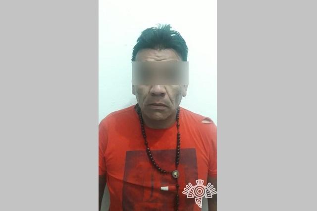 Detienen a presunto autor de narcomantas en Texmelucan