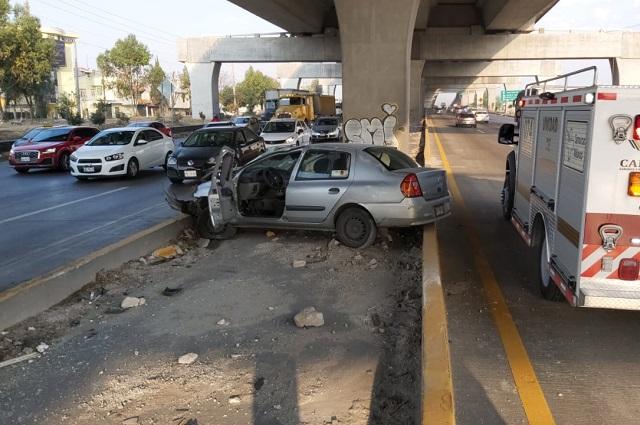 Tardan en atender accidente por falta de Vialidad Estatal
