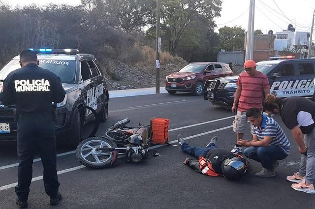 Choca patrulla con motociclista en el Bulevar Clavijero