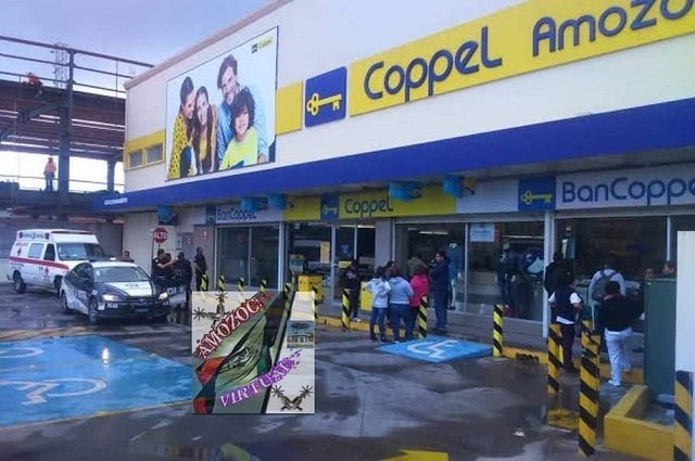 A punta de pistola asaltan tienda Coppel en Amozoc