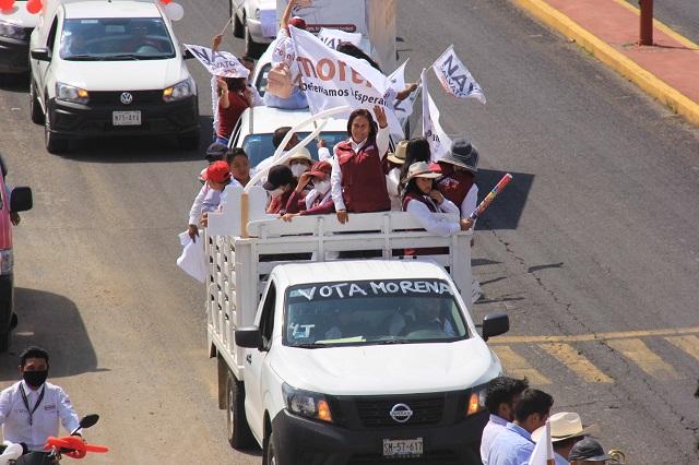 Araceli Tehuitzil cierra campaña con imponente caravana