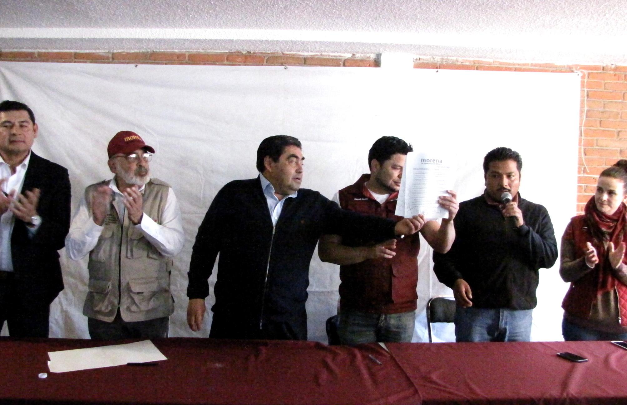 Entre críticas, Barbosa, Armenta y  De la Sierra firman código de ética