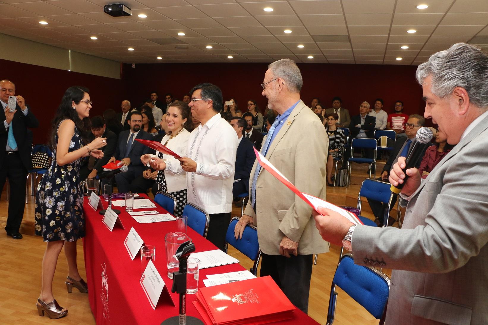 Gradúa IBERO Puebla a su primera generación de mediadores de paz