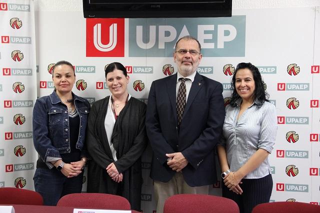 Trabaja académico de West Virginia  University  con estudiantes  UPAEP