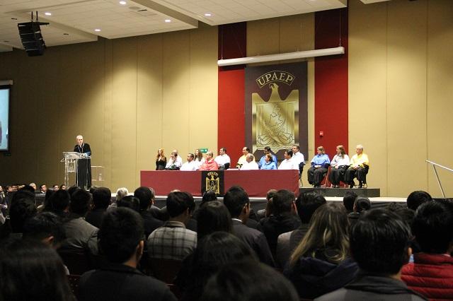 Imparte Baños Ardavín Primera Cátedra a nuevos alumnos Upaep