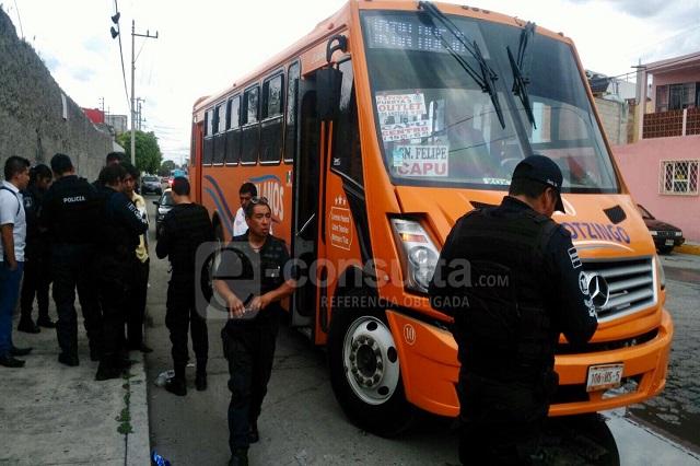 Asaltan camión en la Morelos y le quitan al chofer 3 mil  pesos